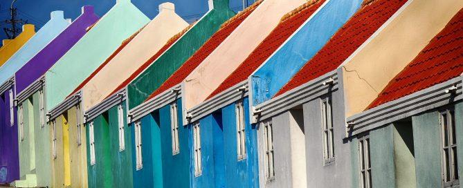 Kalkfarben und Kalkputze für die Renovierung von Fassaden